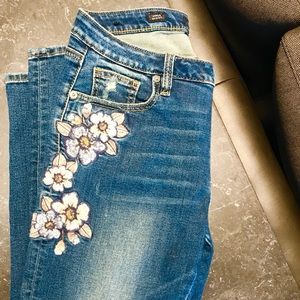 Miss me destroyed embroidered jeans